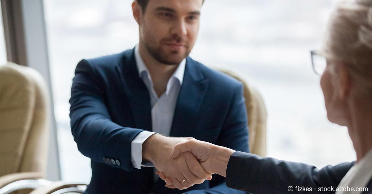 Verkaufsgespräch führen - Die 5 Phasen mit Leitfaden und Beispielen